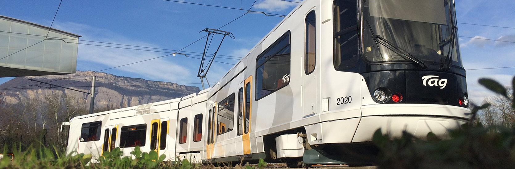 slider-1-tram
